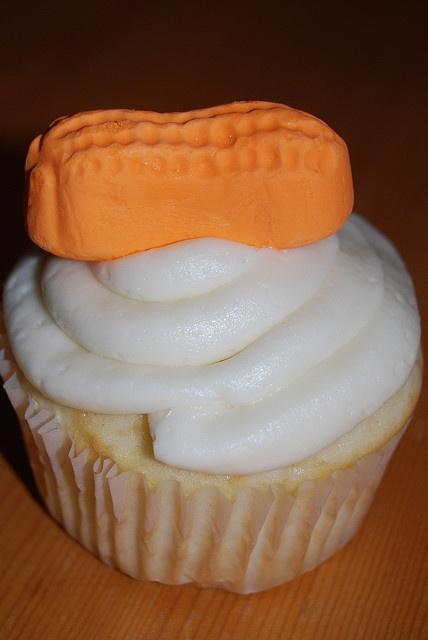 Circus peanut cupcakes... bubblegum frosting? (:
