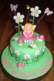 17 best images about garden cake on pinterest gardens for Fairy garden birthday cake designs
