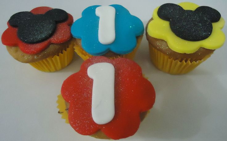 Cupcakes do Mickey - https://www.docemeldoces.com