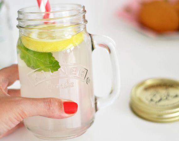"Tarros y botes con tapa tipo ""Mason jar"" de vidrio, marca Kilner, ideal para servir bebidas frías, para mermeladas y conservas caseras. Envíos GRATIS a partir de 50€"