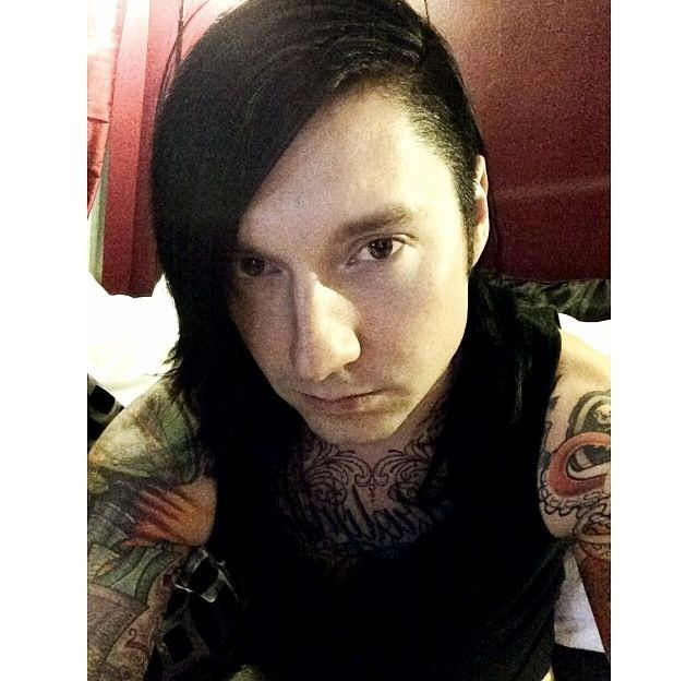 jake pitts without makeup - photo #25