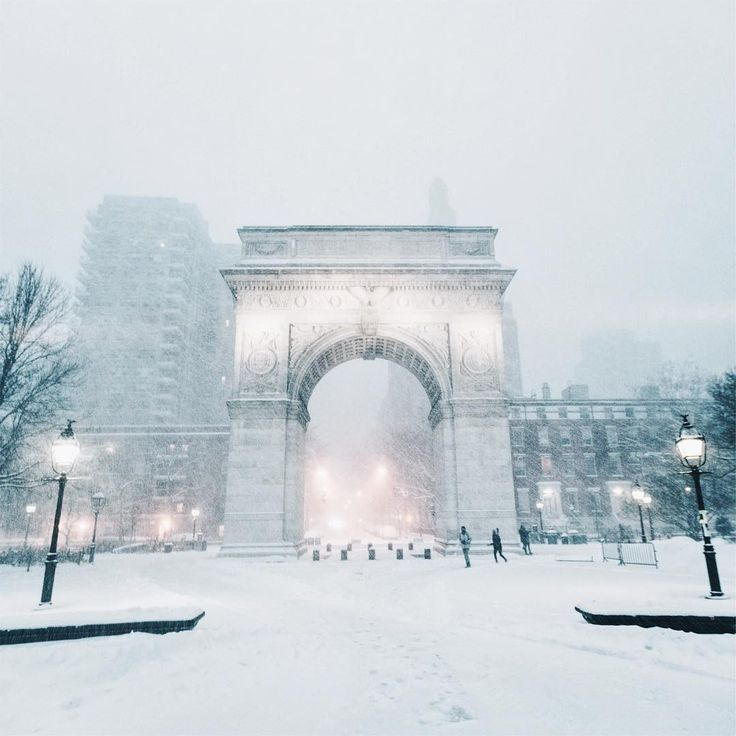 Waking up to find out that New York has turned into a snow globe. ❄️ New York, New York