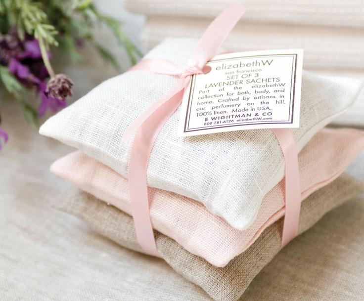 Lavendel geurzakjes | Instructie geurzakjes maken: http://www.jouwwoonidee.nl/geurzakjes-maken/