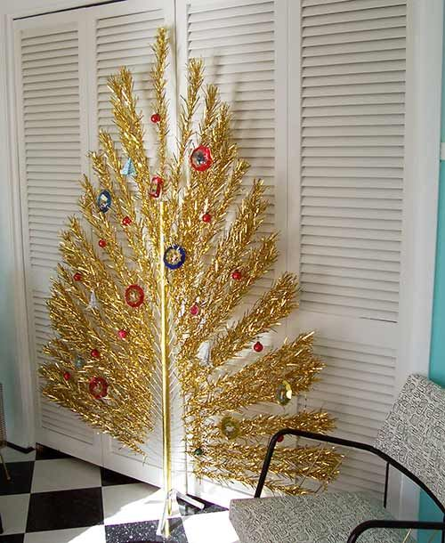 367 best Aluminum Christmas Trees images on Pinterest | Retro ...