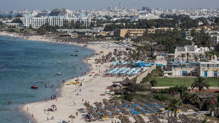 Thomas Cook reprend les vols vers la Tunisie après l'attaque Sousse https://cstu.io/bf92c1