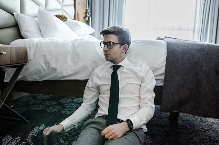 GMALE by Grzegorz Paliś, GMALE by Grzegorz Paliś, Apart Watches, Men's fashionk blog, Gentlemen, Elegant men, Green Tie, Men in glasses, Knit tie