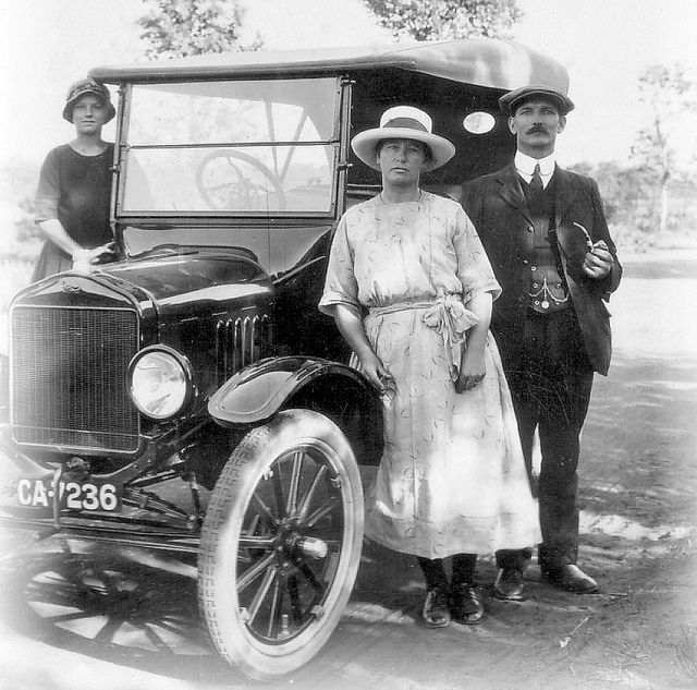 A Cheerful Looking Cape Town Motorist and his Family 1920 | Flickr - Photo Sharing!
