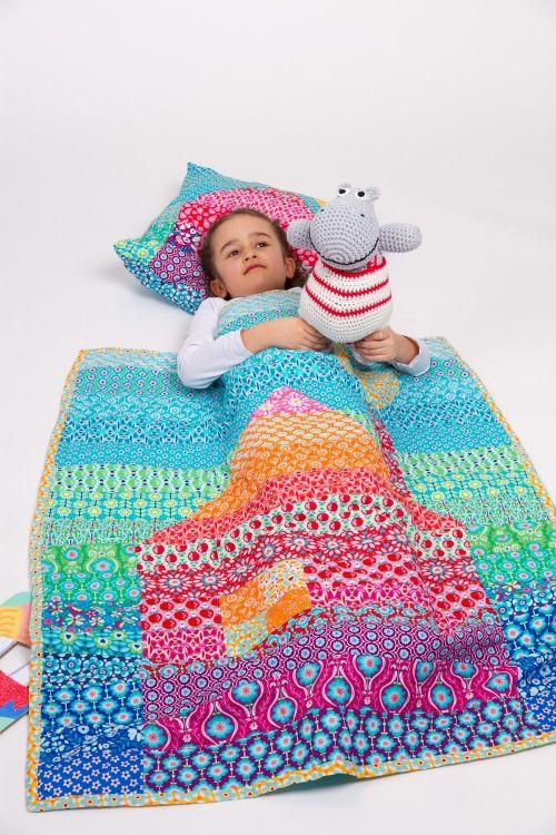 Decke und Kissen - Initiative Handarbeit
