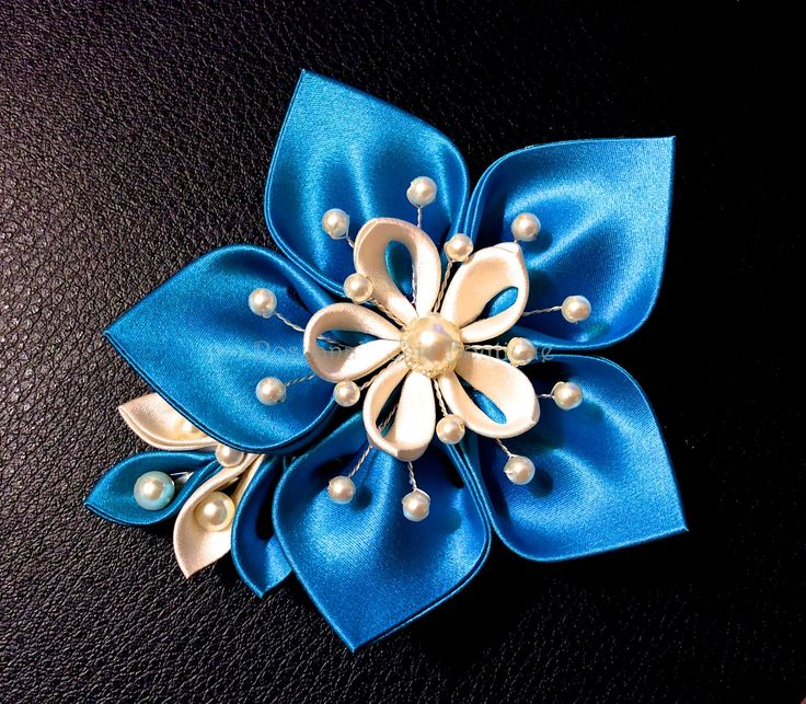 100% Silk kanzashi hair clip for wedding, prom and kimono. We do custom order. Visit our page for more: https://www.facebook.com/Rosy.Charms