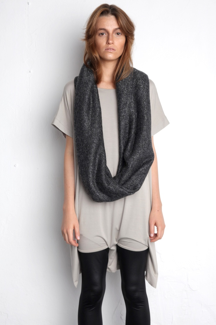 Dark scarf for white period zemelkapirowska.com