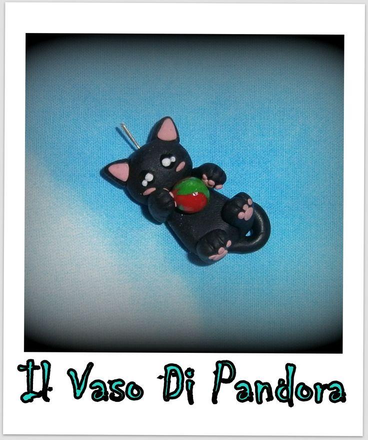 Fimo, Gattino, disponibile come collana, calamita, colori: nero, bianco, grigio