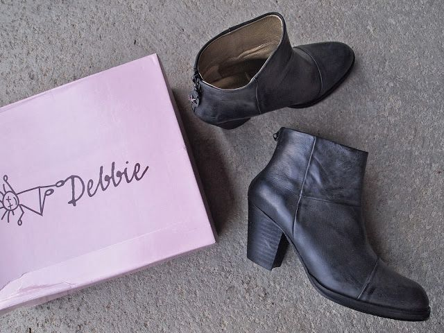 New Debbir booties - model Montana