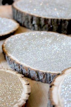 Modern take on Rustic Wedding Decor, just add glitter and wood slices  www.palaisroyale.ca  #PalaisRoyale #WeddingDecor
