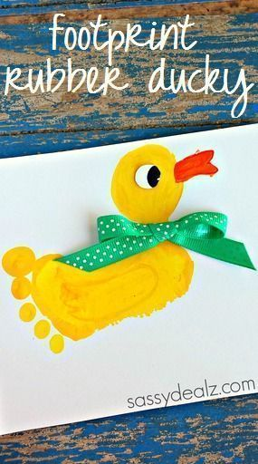 A footprint rubber ducky is a cute and memorable craft for your child. #Footprin