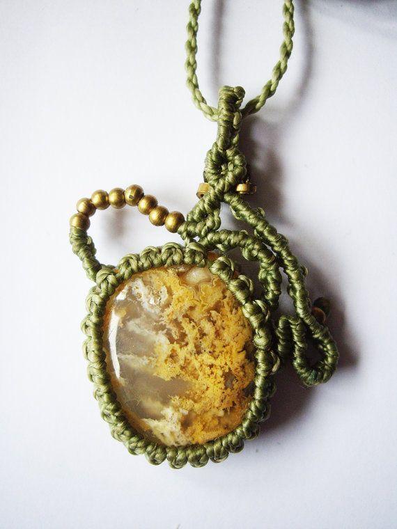 Colgante macramé. Ágata musgo. Piedras por ArtesaniaBabayaga