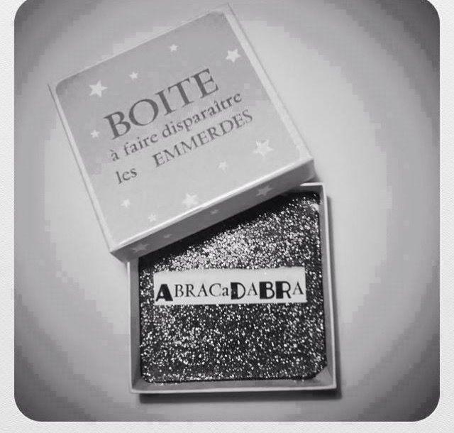 plus de 1000 id es propos de poudre de perlimpinpin sur pinterest paillettes mill sime. Black Bedroom Furniture Sets. Home Design Ideas