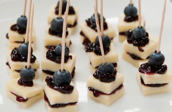Gruyer and blueberry bites Ridiculously simple, utterly delicious #appetisers