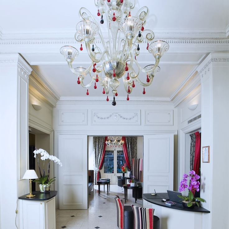 The designer Veronese is renowned for its whimsically colorful glass chandeliers which are made using traditional techniques in Murano, Italy. Here you can find a beautiful and elegant collection of lighting fixtures.