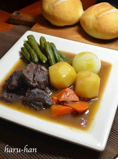 ブールマニエで、減塩牛スネ肉の赤ワイン煮込み♬ by haru-hanaさん ...