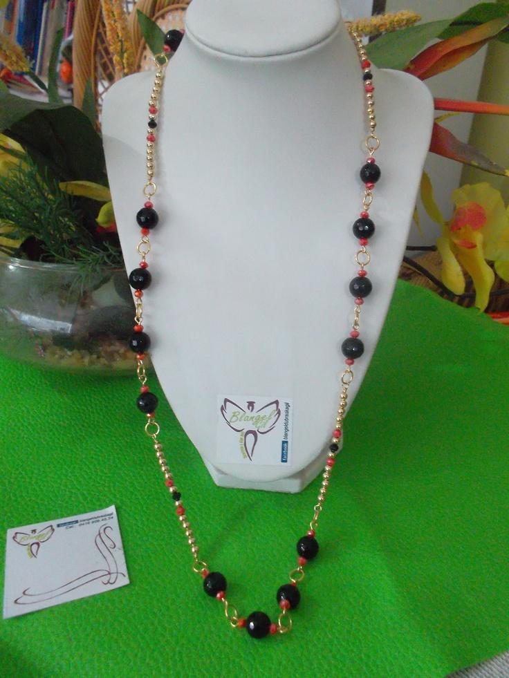 Collar largo elaborado en gold field agata y cristales