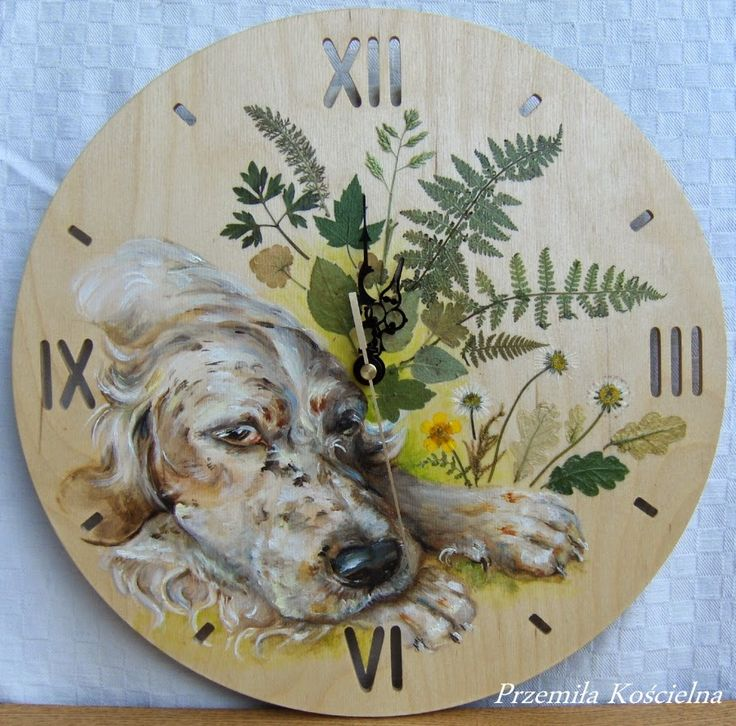English Setter. Oil painting with natural leafs. Hand painted wall clock. #clock #painted #painting #art #dog #setter #petportraits #natural #wood #Canisartstudio