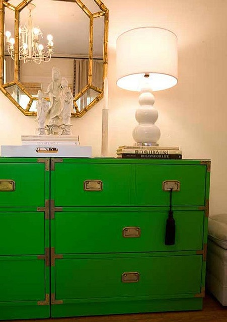 Love this #vintage #green #campaignchest #interiordesignCampaigns Furniture, Colors, Campaigns Dressers, Kelly Green, Hollywood Regency, Chinoiserie Chic, Green Dressers, Home Offices, Chest Of Drawers