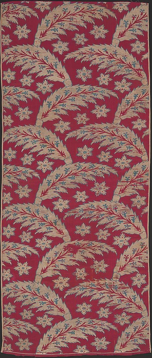 Loom Width with Serrated Leaf Design Object Name: Fragment Date: ca. 1600–1625 Geography: Turkey, Bursa Culture: Islamic Medium: Silk, metal wrapped thread; lampas (kemha)