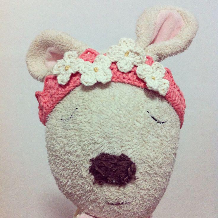 Baby crochet headband. mama kong.