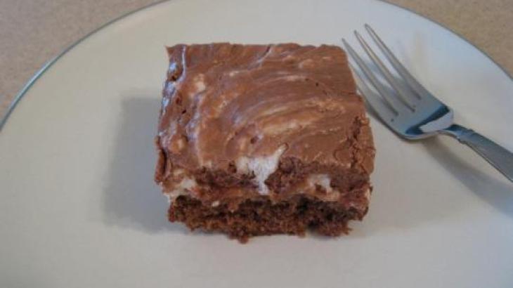 Mississippi Mud Cake | Chocolate & Marshmallow... | Pinterest