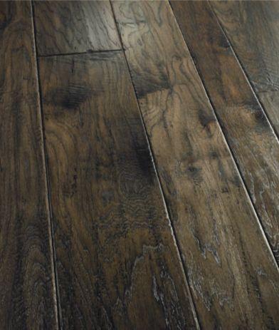 Bella Cera floors: Amalfi Coast in Gray/Slate, Hickory.