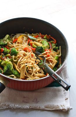Vegetarian Plateful: Spicy Noodle Stir-Fry with Vegetables — Super Healthy and Easy Weeknight Meal (watch for use of Worcestershire sauce which is not vegan/vegetarian because it contains anchovy paste)… need to modify the recipe.