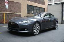 Tesla : Model S Model S Performance Plus P85+ Performance Plus 85 kWh Sport Silver Wheels Tech Sound Studio Metallic Piping