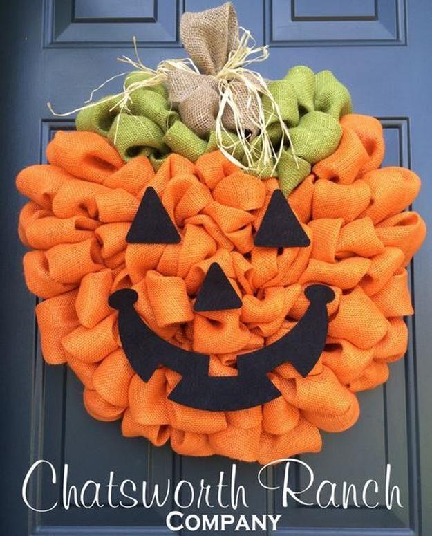 Burlap Pumpkin Project | 22 Festive Burlap Decorating Ideas To Make This Autumn Season
