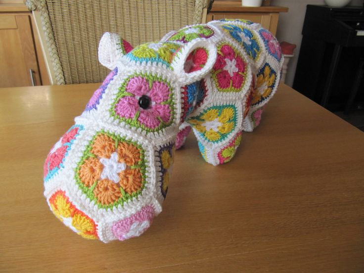 African Flower Pony Crochet Pattern : 1000+ images about African Flower Ideas on Pinterest Owl ...