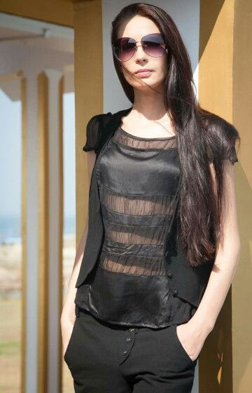Be stylish  when you wear clothes by Evsey .  100% silk top, cotton-hemp waistcoat .