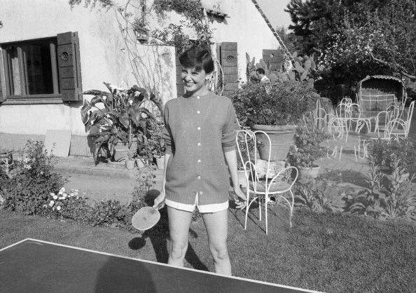 and play ping pong with Audrey KeC   timelessaudrey: Italy,1955