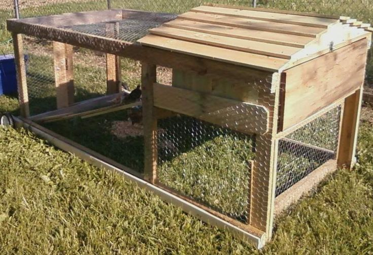 Small movable chicken coops woodworking projects plans for Movable pallets