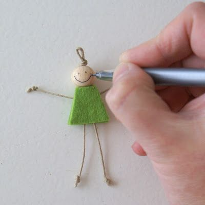 How to make a happy girl!  So cute! Great little gift for kids caught doing something good/helpful.  Could be attached to a ribbon for a happy kid bookmark.
