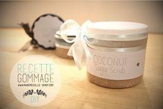 Voilà une recette d'un gommage maison à base d'huile de noix de coco BIO et de sucre ♥ Coconut sugar scrub ♥ Simple, rapide & économique, elle est pas belle la vie ?