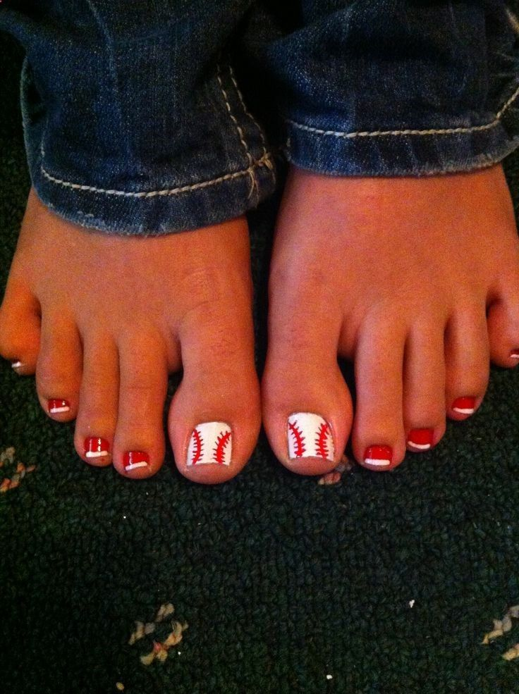 Baseball or softball toe nails. Gotta remember this for next season! - 37 Best Nails Images On Pinterest Make Up, Pretty Nails And