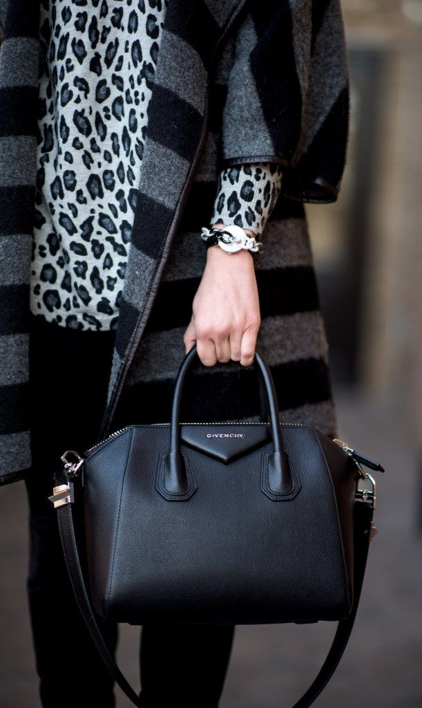 givenchy antigona small black, mixing prints