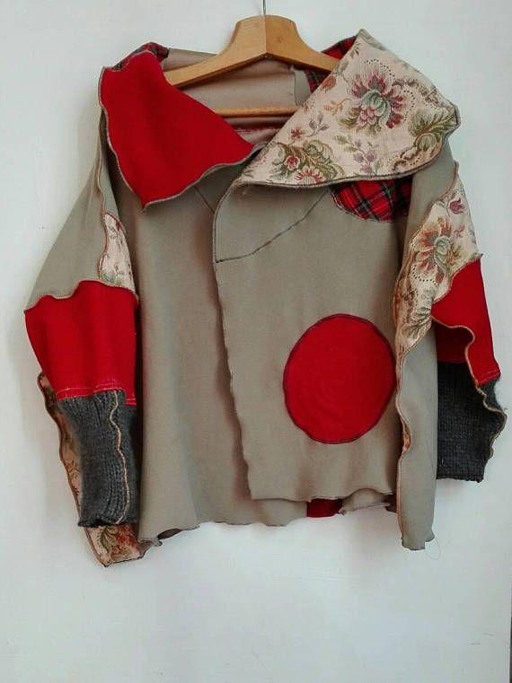 Guarda questo articolo nel mio negozio Etsy https://www.etsy.com/it/listing/545975568/giacca-donna-upcycled