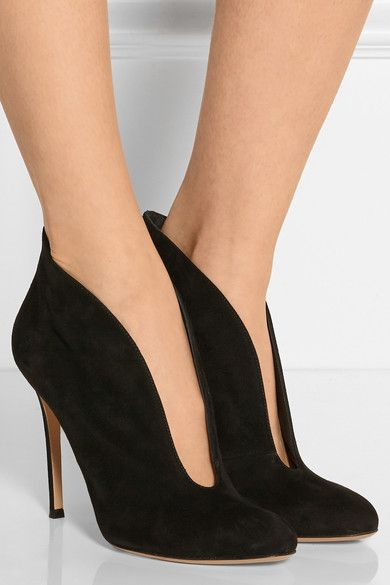 Gianvito Rossi - Vamp 100 Suede Ankle Boots - Black - IT39