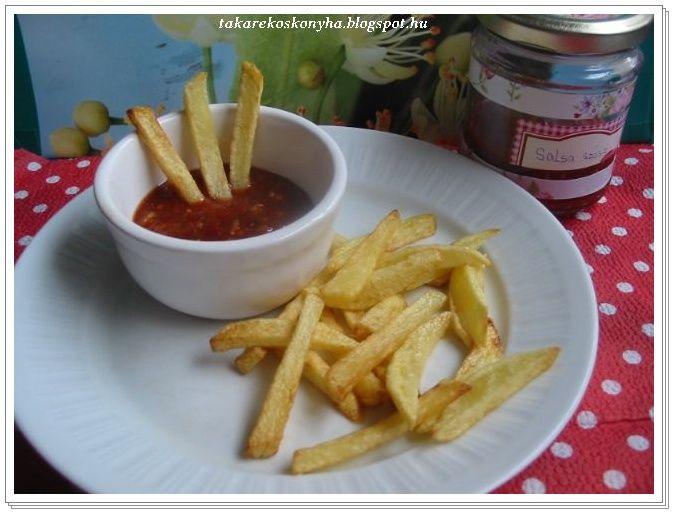Szeretem a különböző szószokat akár sült krumplihoz is ! Ezek közül is a csípős ízesítésűeket előnyben részesítem ebben a férjuram is oszt...
