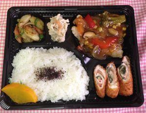 平成26年2月4日(火):ランチメニュー:カレイの野菜甘酢/チキンのロールカツ/ジャーマンポテト/切干大根サラダ