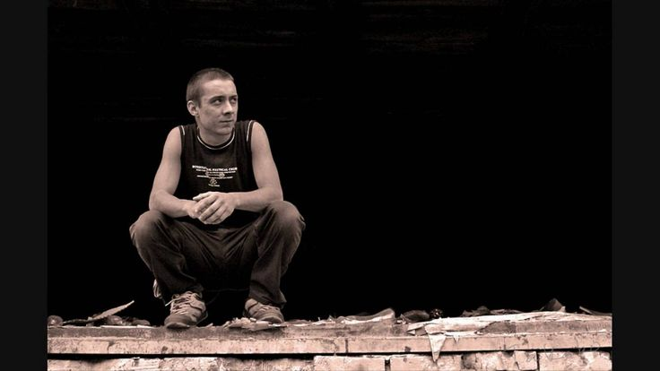 Аркадий Северный: а я один сидю на плинтуаре