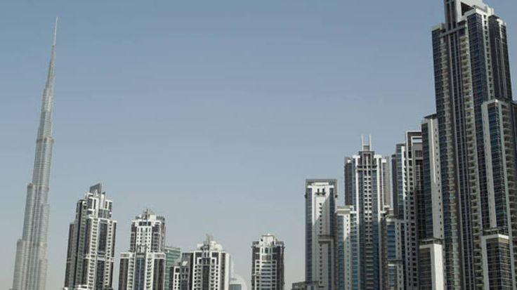 O Burj Khalifa, em Dubai, tem seu reinado no topo da lista dos prédios mais altos do mundo ameaçado por dois concorrentes. Na China, o edifício Sky City deverá ter 838 metros de altura quando pronto. Já em Jidá, na Arábia Saudita, o Kingdom Tower é um concorrente de grande peso, já que seu projeto diz que terá 1 km de altura.  Enquanto a construção dos dois não fica pronta, os 828 metros do Burj Khalifa não deixam chances pra nenhum outro prédio.