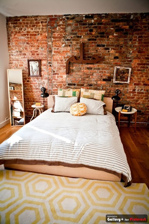 love the exposed brick walls !!!