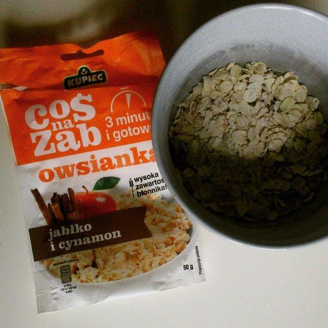 #breakfast #owsianka #kupiec #jablkozcynamonem #streetcom już dwa smaki za mną zobaczymy jak będzie z tym:-)