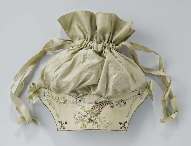 Clothing in 1800: work bags